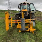 Junior machine with a 1.3 m high one way clamp, painted to match the JCB Fastrac tractor and Bryce post knocker.